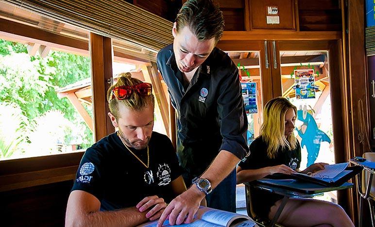 PADI IDC Material Crewpack Sairee Cottage Diving Koh Tao