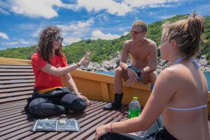 Female Scuba Instructor best dive briefing
