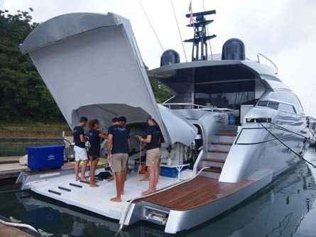 Divemaster Jobs On Yachts Or Become A Super Yacht Diving Instructor