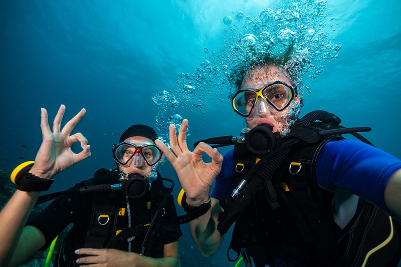 Eco-Friendly Scuba Divers